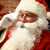 Baardset Kerstman met pruik en snor